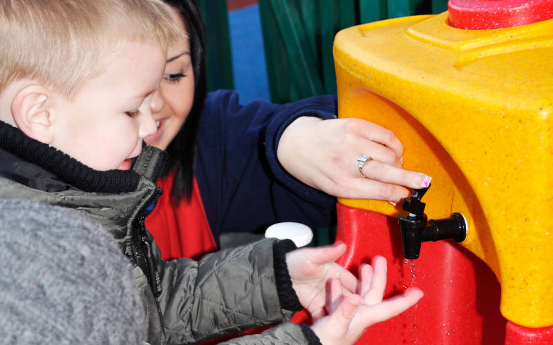 Nearly half of children have to be reminded to wash hands before eating says report